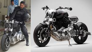 dhoni with Confederate Hellcat