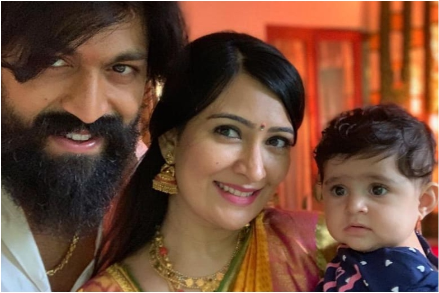 yash with wife and kid