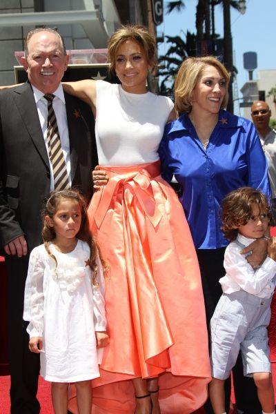 jennifer lopez family mother father children celebs99