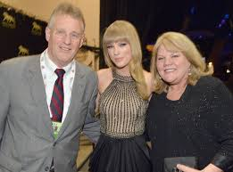 taylor swift family mother father celebs99