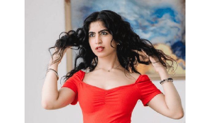 Aneesha Madhok - Age, Height in feet, Career, Biography, Hollywood Movie, Wiki, All Movie list, Family, Boyfriend, Affairs, Facts & More
