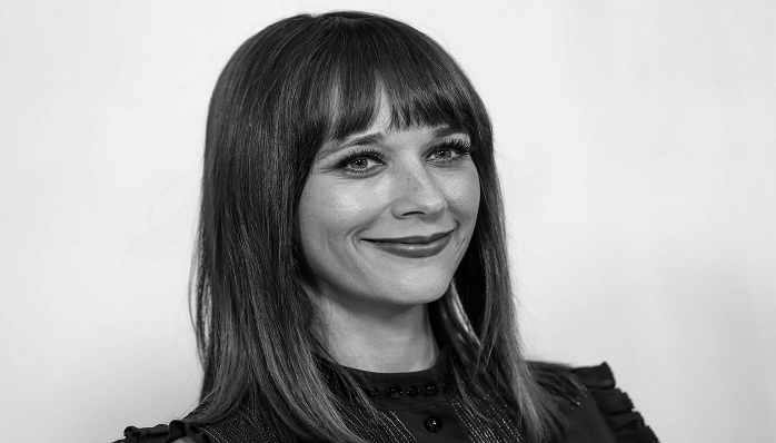 Rashida Jones (Joya Barris)- Age, Height, Movies, Biography, Netflix, Music, Husband, Affairs & More