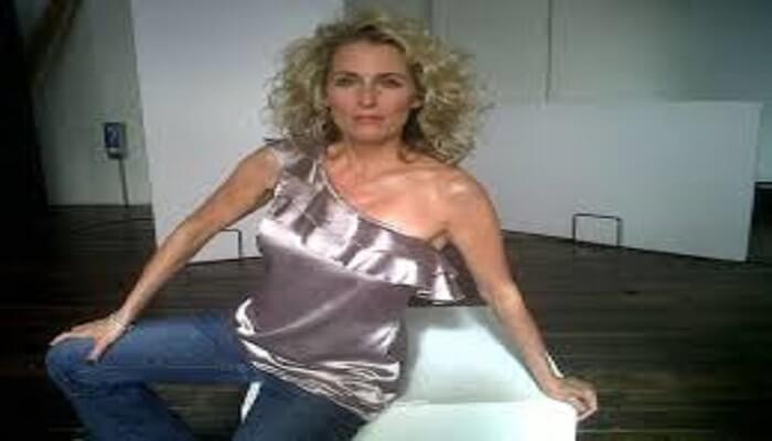 Janis Ahern - Age, Height, Movies, Biography, Net Worth, Husband, wiki & More