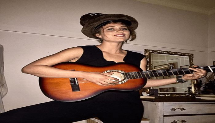 Annaliese Apps - Age, Height, Movies, Biography, Husband, Net worth, wiki & More