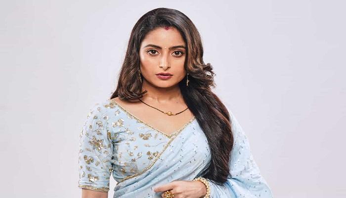 Aishwarya Sharma - Age, Height, Movies, Biography, Husband, Net Worth & More